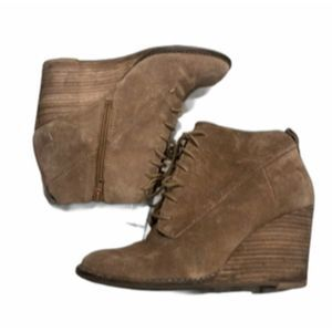 Lucky Brand 6.5 wedge lace up zipper bootie